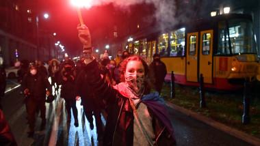 Proteste în mai multe orașe din Polonia după decizia privind interzicerea avortului
