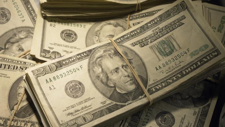 dolari sua teancuri