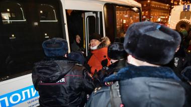 Poliția rusă arestează protestatari