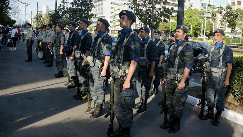 Militari greci