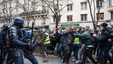 proteste paris franta profimedia