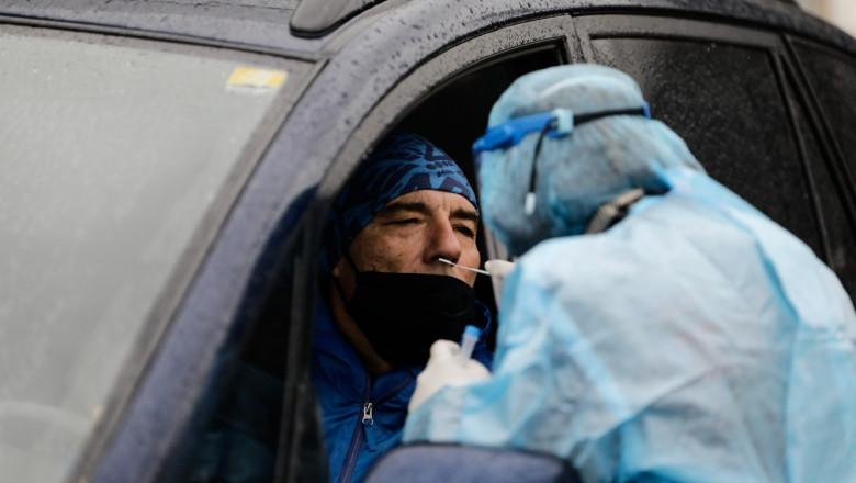 persoana testata pentru coronavirus in masina la salonic profimedia-0575644391