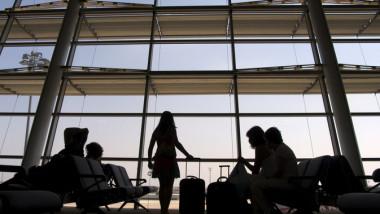 Români blocați pe aeroportul din Istanbul, dintr-o eroare a unui angajat