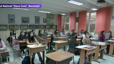 elevi-la-scoala-dupa-3-luni-pandemie-coronavirus