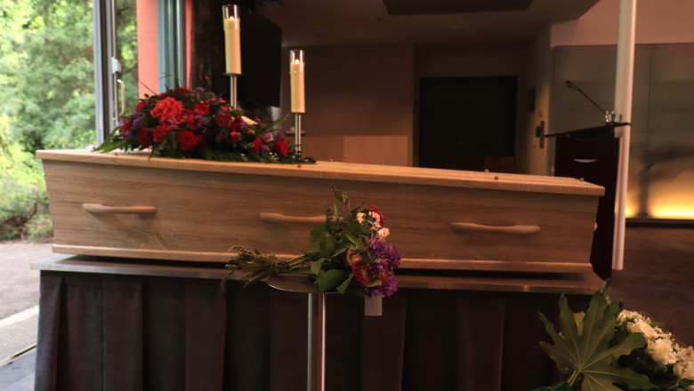"""Bărbat mort """"uitat"""" timp de 2 luni și jumătate în apartamentul său din Viena"""