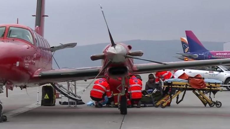 medici-pacient-transfer-avion