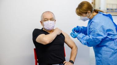 emil-boc-vaccinat