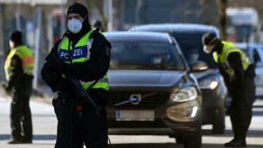 poliţişti germani la frontiera cu Austria