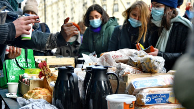 Food Distribution For Students - Paris