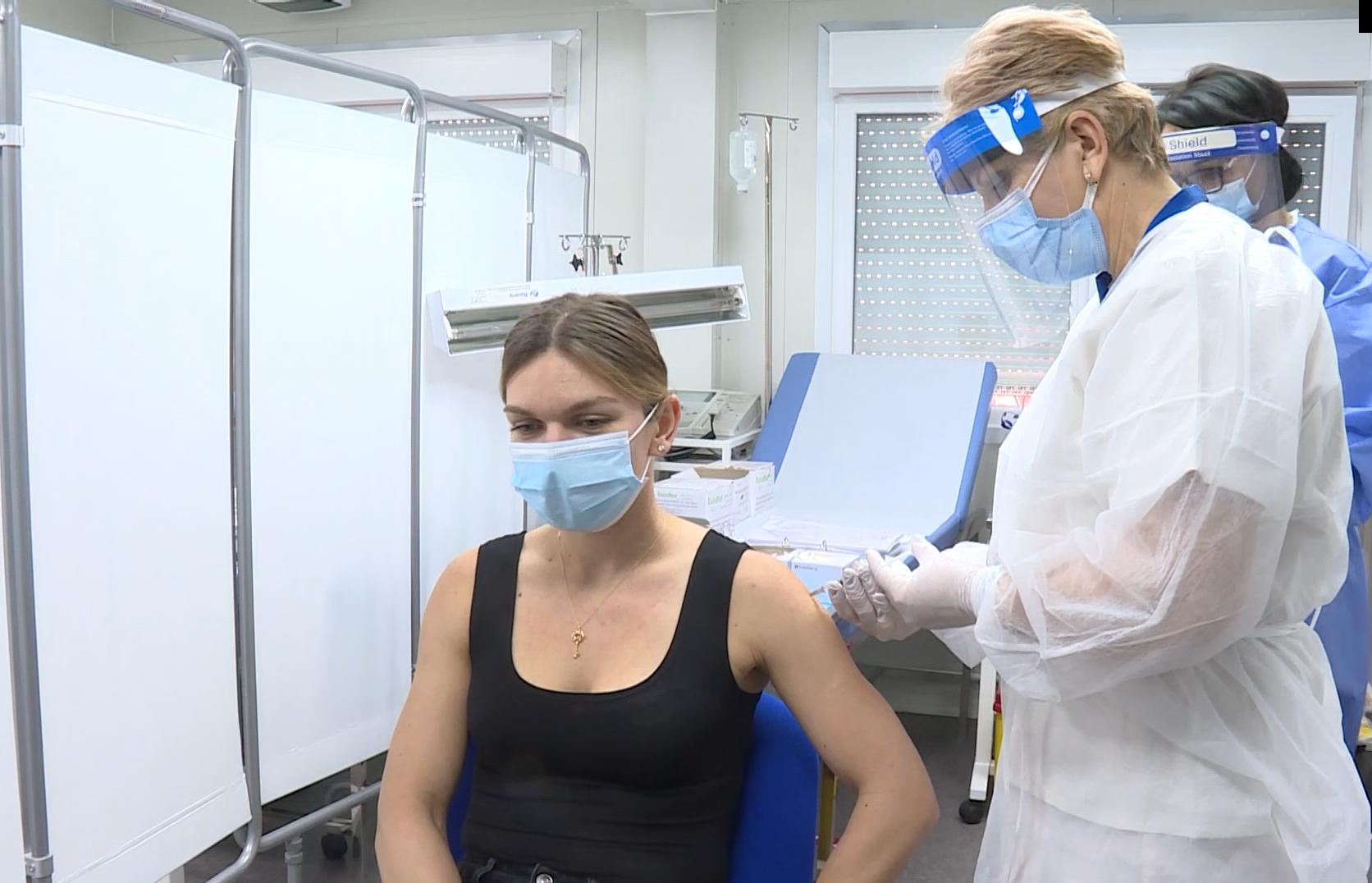 """Primele imagini cu momentul in care Simona Halep se vaccineaza: """"Nu am simtit nimic"""""""
