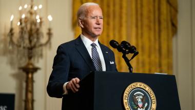 Joe Biden la pupitru