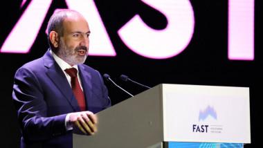 """Premierul armean Nikol Pashinyan a denunțat o """"tentativă de lovitură de stat militară"""""""