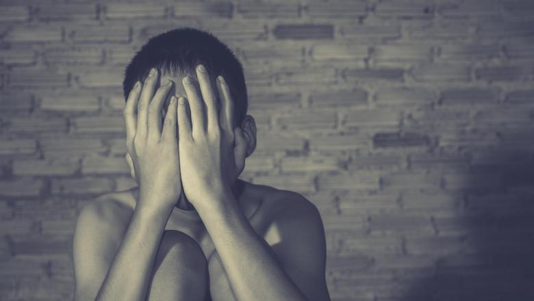 copil violenta abuz