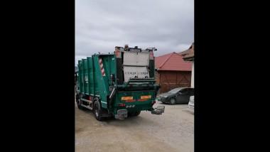 transport-lemne-masina-de-gunoi