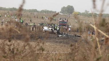 ramasitele unui avion prabusit in nigeria