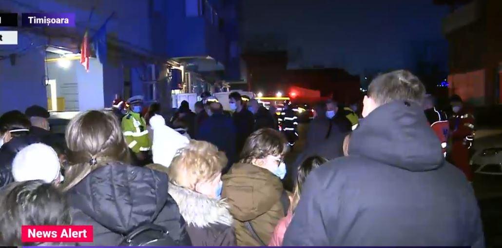 70 de persoane evacuate după o dezinsecție într-un bloc din Timișoara. Specialiștii au detectat substanțe periculoase