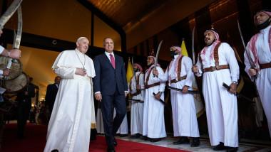 papa vizita irak garzi elita cu sabii profimedia-0595466611