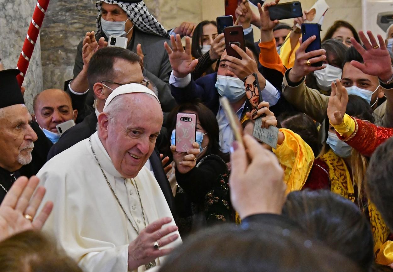 papa credinciosi biserica karakosh profimedia-0595782269