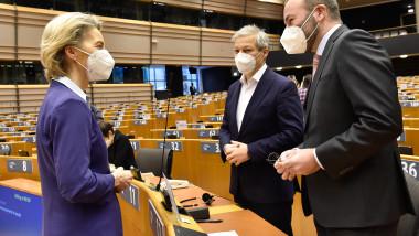 ursula von der leyen dacian ciolos manfred weber parlamentul european