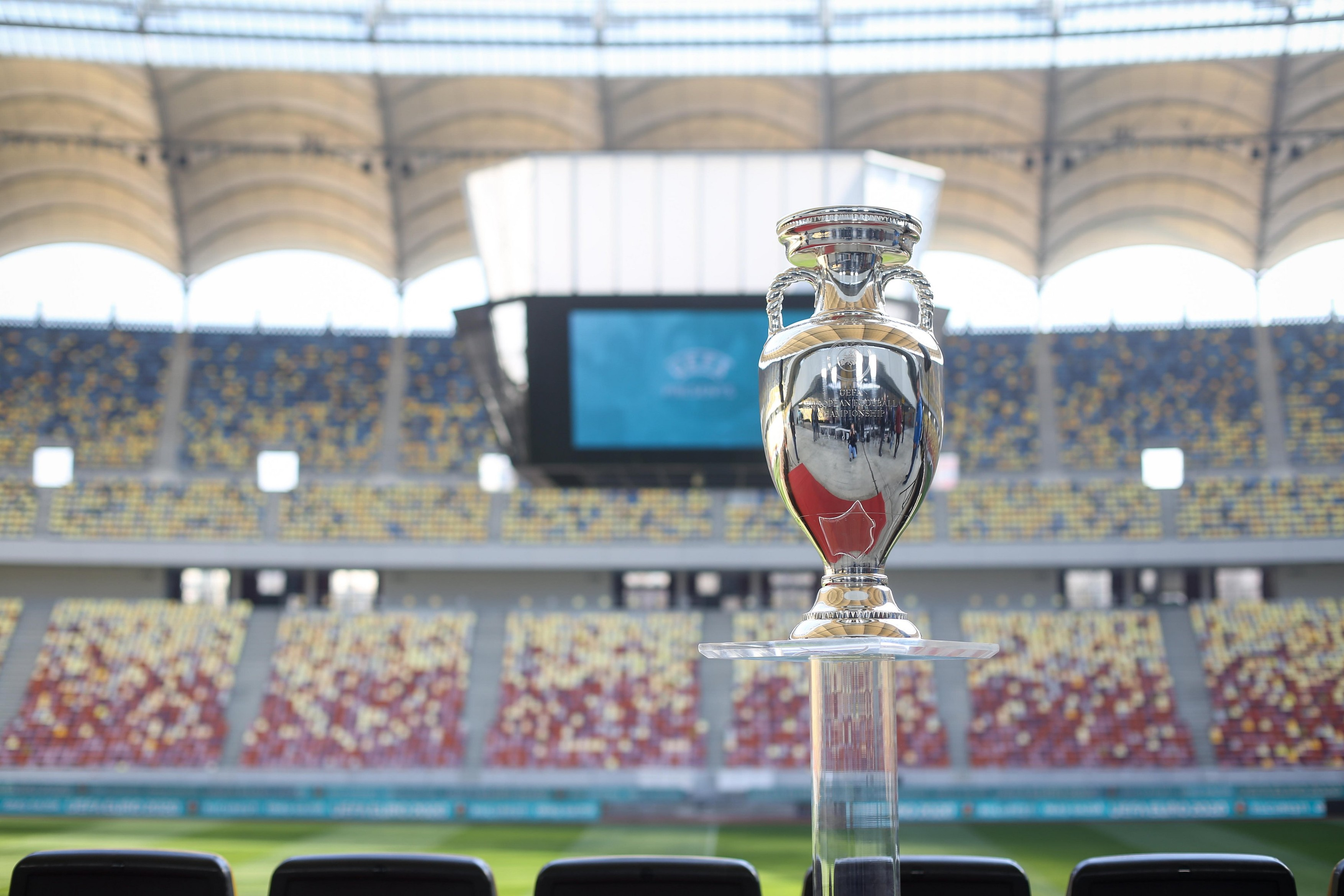 Meciurile de la EURO 2020 se vor desfasura cu spectatori. Ministrul Sportului: Un mic castig in fata pandemiei. Ne asumam decizia
