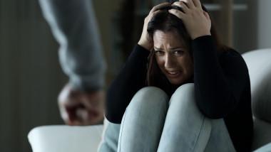 violenta domestica femeie batuta profimedia