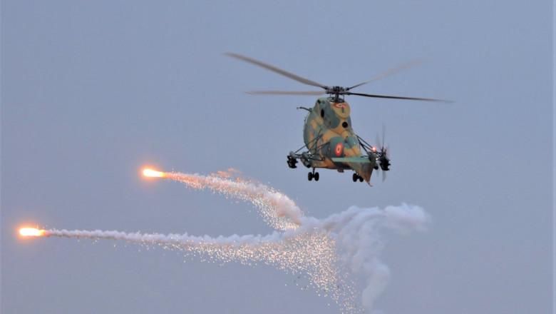 elicopter Puma Socat lansează rachete