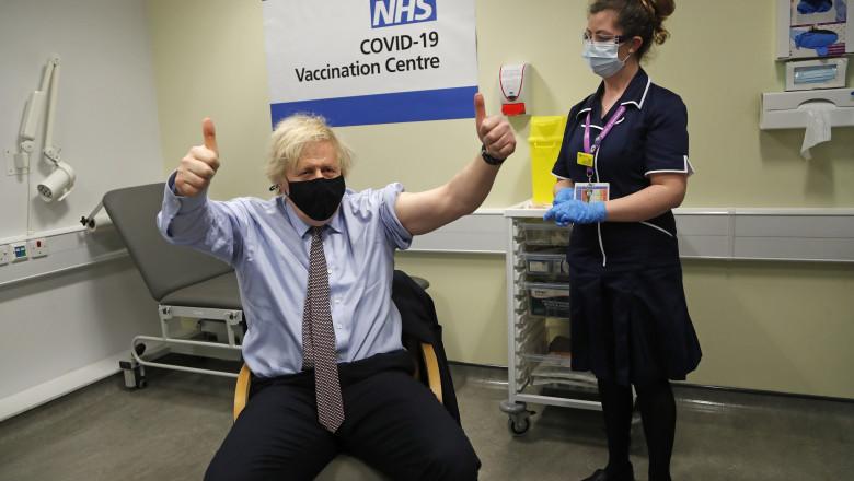 Premierul britanic Boris Johnson s-a vaccinat cu AstraZeneca