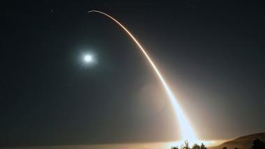 Lansare de probă a unei rachete intercontinentale balistice americane Minuteman III, în cadrul unui test la baza Vandenberg, California, 2017.