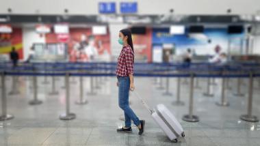 aeroport persoana masca