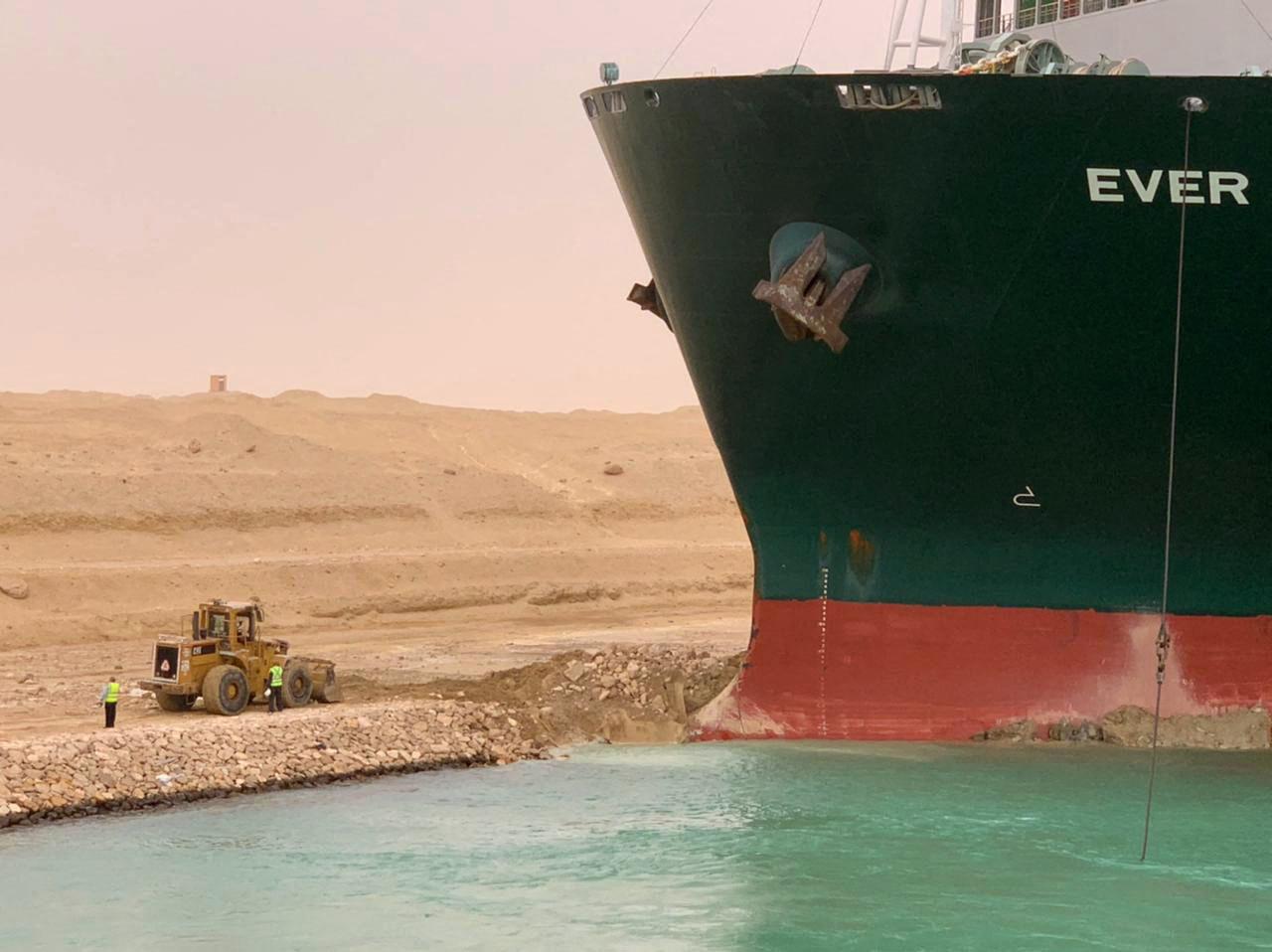 nava blocheaza canalul suez profimedia (3)