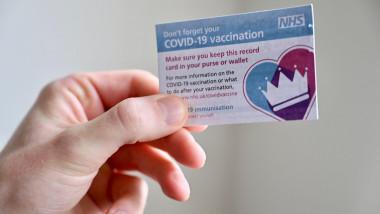 anglia testeaza pasaport de vaccinare