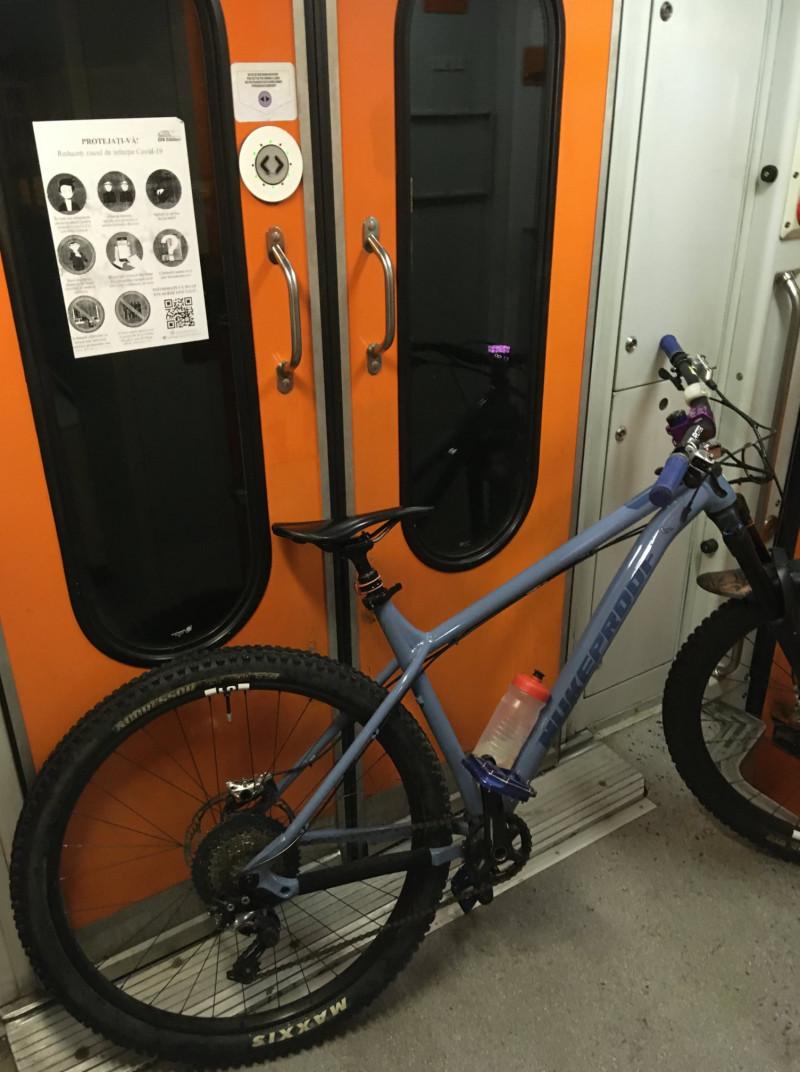 bicicleta-tren-fb-maximilian-radu-munteanu