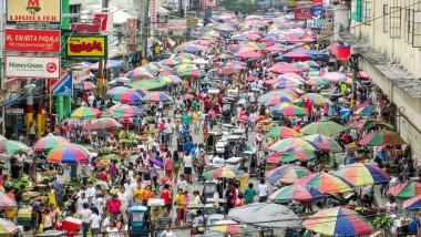 Stradă aglomerată în Filipine