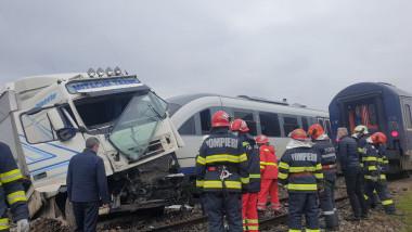 accident camion tren sursa ISU Vaslui 150421 (5)