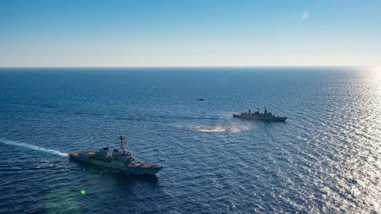 Nave militare ale SUA în larg