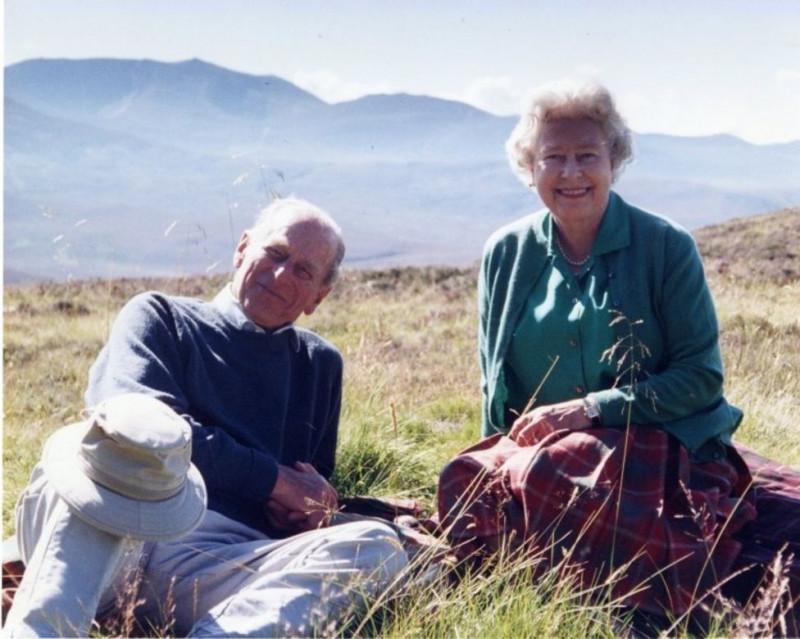regina elisabeta si printul philip picnic scotia