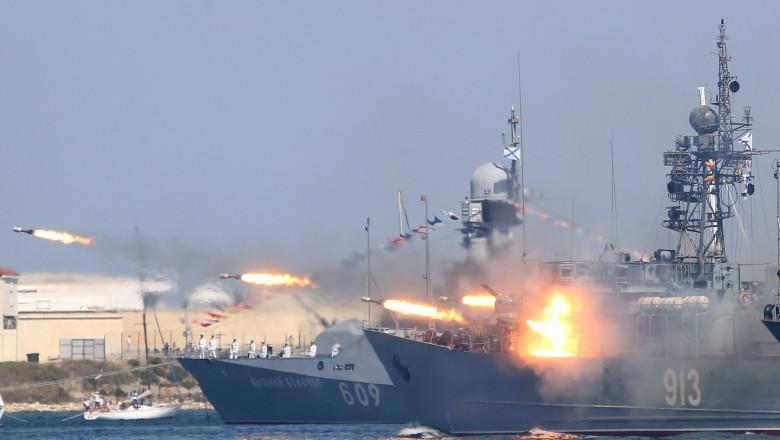 manevre militare ale flotei ruseşti din Marea Neagră