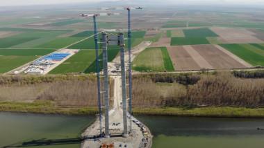 Imagini de pe șantierul podului suspendat de la Brăila