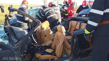 accident bacau morti