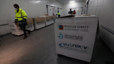 Cutii cu vaccinul rusesc Sputnik