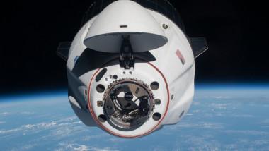 pericol de coliziune naveta spaceX