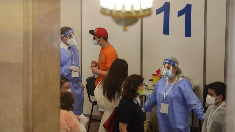 maraton vaccinare biblioteca sala palatului VACC_maraton_23INQUAM_Octav_Ganea