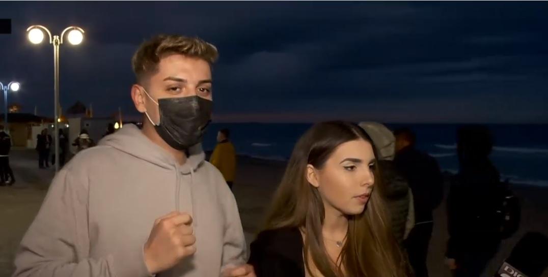 VIDEO. Cum e atmosfera de weekend in Vama Veche si ce asteapta tinerii cel mai mult