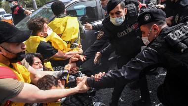 proteste violente in turcia