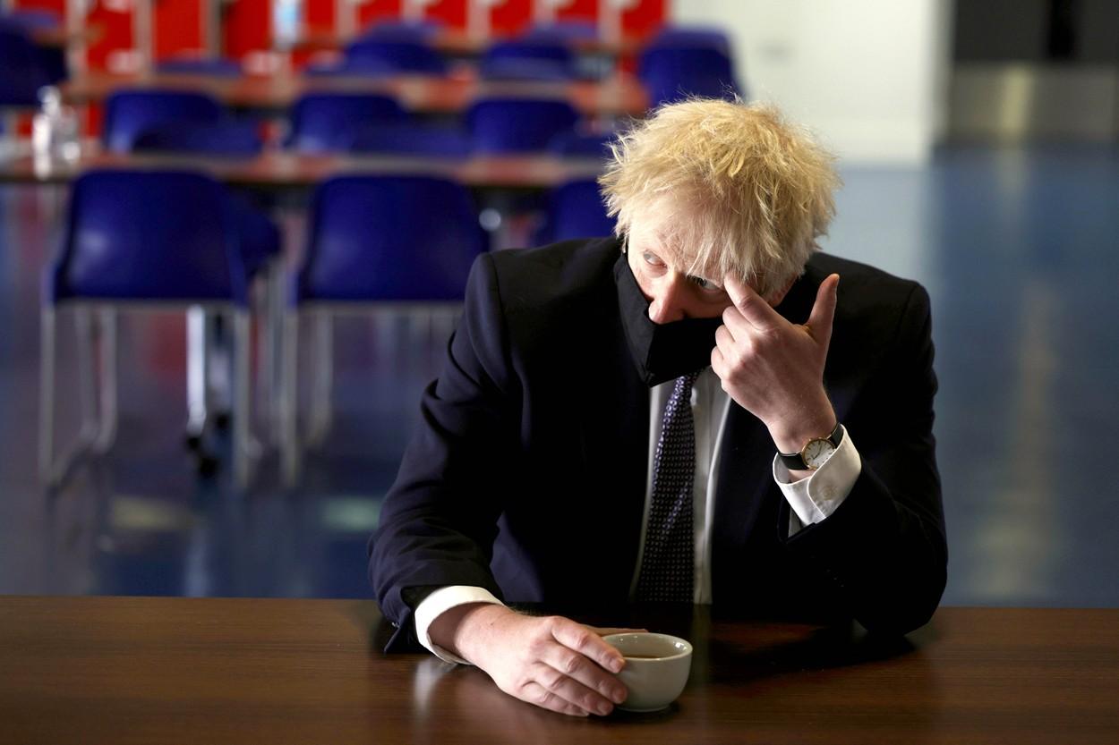 Boris Johnson anunta amanarea ridicarii ultimelor restrictii anti-COVID in Anglia. Care e motivul si ce se intampla in restul UK
