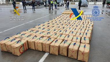 Aproximativ 200 de pachete de hașis au fost găsite de polițiștii spanioli