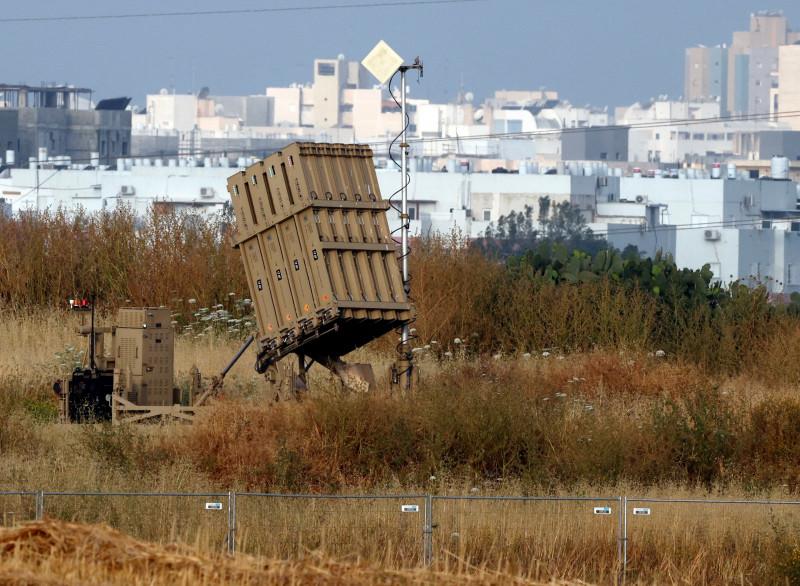 Sistem de lansare a interceptorilor Iron Dome situat la marginea orașului Ashdod, din sudul Israelului.