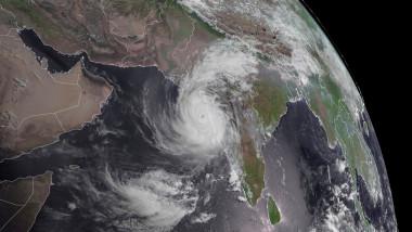 ciclon india
