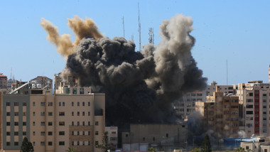 sediul din gaza al associated press si al jazeera, bombardat