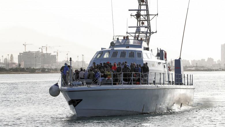 profimedia-barca cu migranti